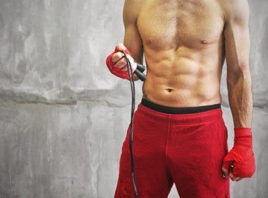 Боксер со скакалкой