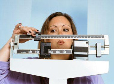 Задержка воды и увеличение веса перед менструацией